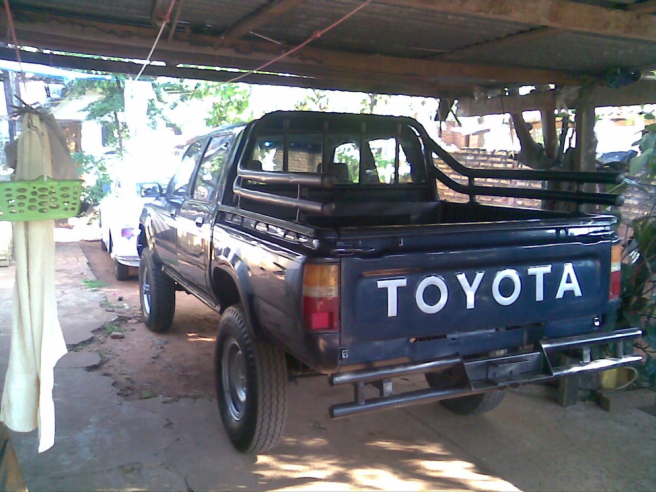 Toyota Hilux Dlx 98 4x4 Motores Com Py