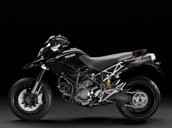 Ducati Street Racer 11- Gisele.jpg