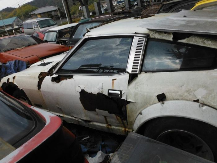 abandoned_cars_07.jpg