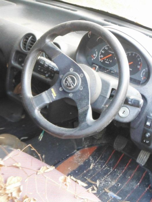 abandoned_cars_25.jpg