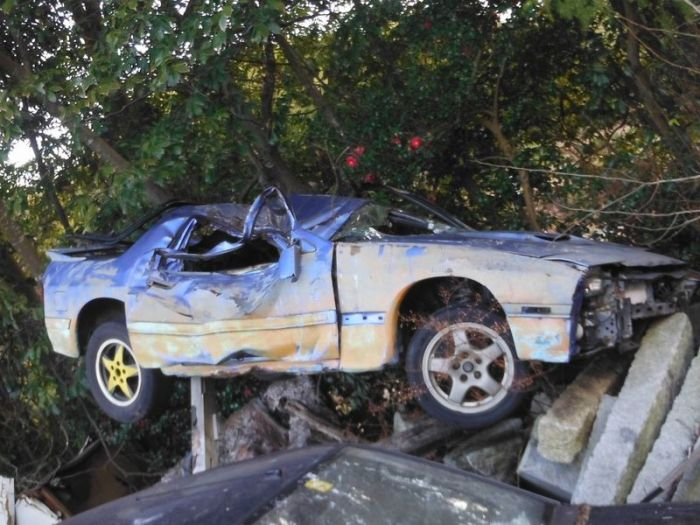 abandoned_cars_29.jpg
