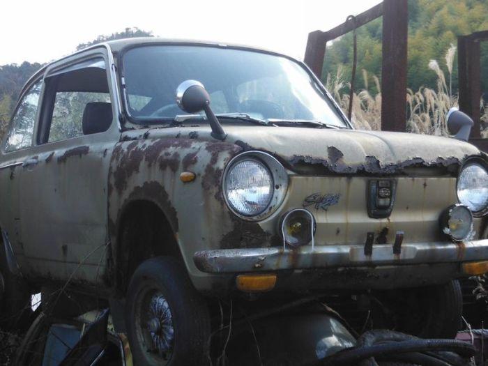 abandoned_cars_32.jpg
