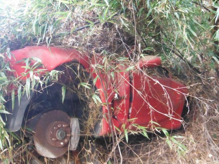 abandoned_cars_38.jpg