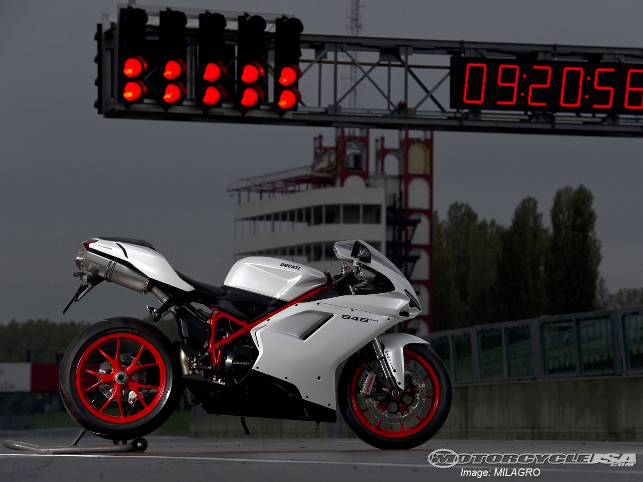 ducati-848-white-19887-hd-wallpapers.jpg