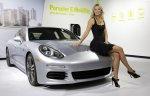 Maria-Sharapova-with-Panamera-S-E-Hybrid-1024x660.jpg