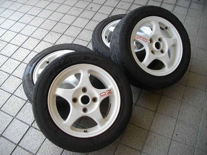 nengun-255847-00-ozracing-lan_evo_iii_genuine_ozdl15_inch_tires_and_wheels-03f375db67.jpg