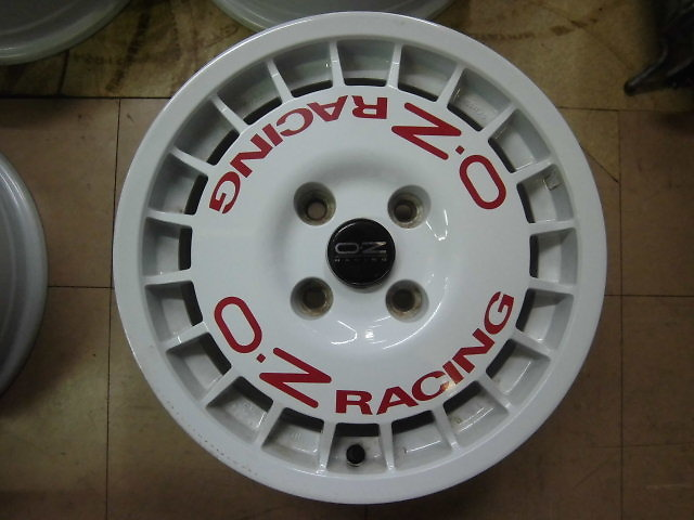 nengun-419027-01-ozracing-oz_rally_racing_15_inch_wheels_4_book_set-57d503e955.jpg