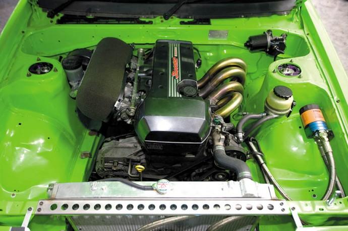 Toyota-Trueno-Duncker-eng-690x459.jpg