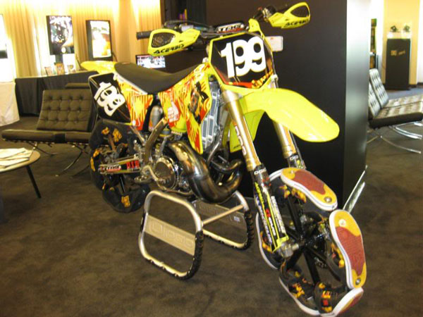 dc-shoes-shoe-bike-travis-pastrana.jpg